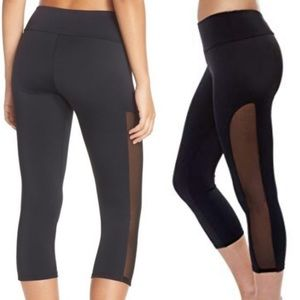 126e754025 Onzie Flow Tuxedo Mesh Solid Black Capri Leggings